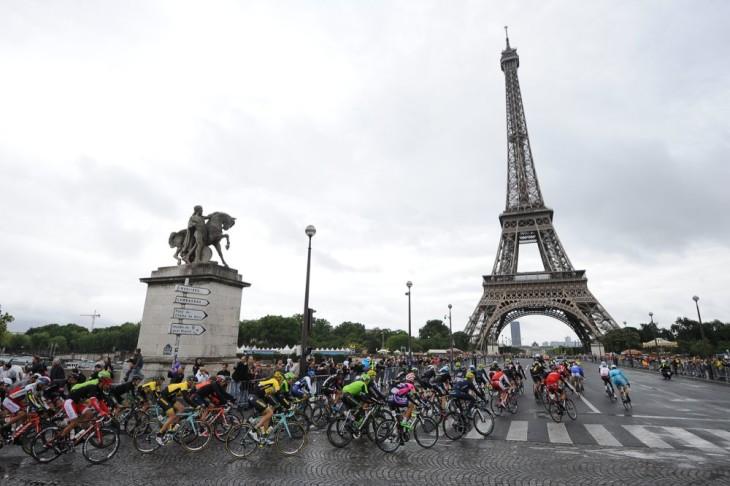 Tour de France 2015 - 26/07/2015 - 21ª Etapa - Sevres / Paris - Champs Elysées - 109,5km - A Torre Eiffel