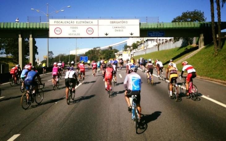 Ciclistas protestam por mais segurança na Via Anchieta