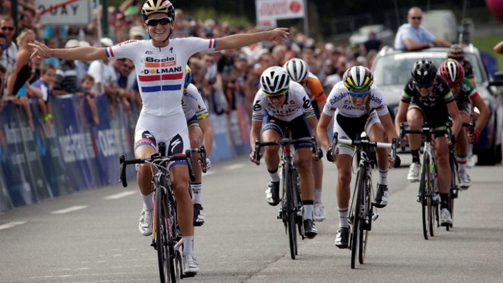 Com a vitória no GP de Plouay, Lizzie Armitstead garantiu o título da Copa do Mundo de Ciclismo 2015 foto: ©Cor Vos