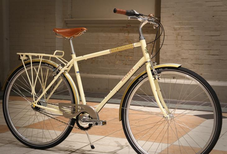 Uma Breezer Downtown8 é o presente que o Papa Francisco receberá em sua visita à Filadélfia - foto: Breezer Bikes/ASI