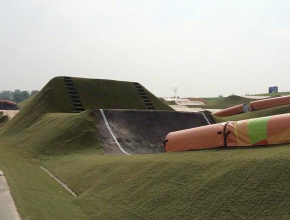 Um dos obstáculos mais criticados foto: BMXNews