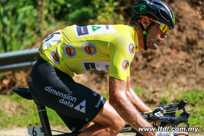 O sul-africano Reinardt Janse van Rensburg/Dimension Data esta a uma etapa de conquistar o Tour de Langkawi