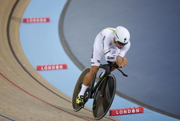 Fernando Gaviria corre pelo bi-campeonato, na sexta-feira fez o melhor tempo na perseguição e venceu a Eliminação - foto: AFP