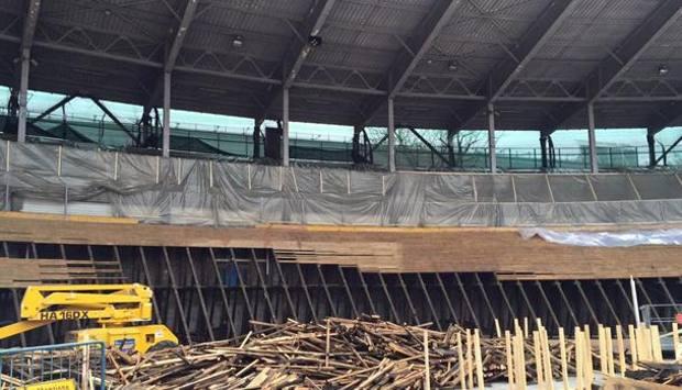 Na reestruturação da  foram mantidos pedaços da antiga pista que recebeu novas inserções de madeira