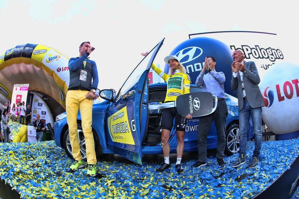 Como prêmio pela classificação geral, a suíça Jolanda Neff ganhou um Hyundai Elantra - foto: Ilario Biondi/ATCommunication