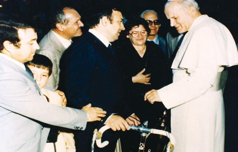 Em 1979 Ernesto Colnago entregou ao Papa João Paulo II