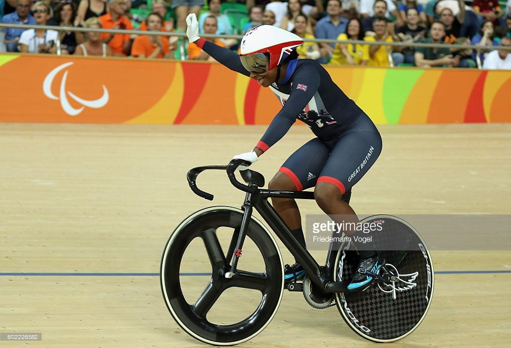 Mais uma medalha de ouro para os britânicos com Kadeena Cox nos 500m. contra-relógio - foto: Friedemann Vogel/Getty Images