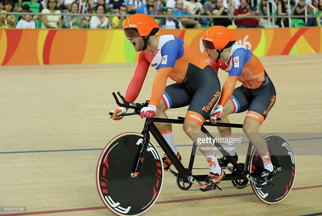 O holandês Teon Mulder e Tristan Bangma ouro e recorde paraolímpico no Km Tandem