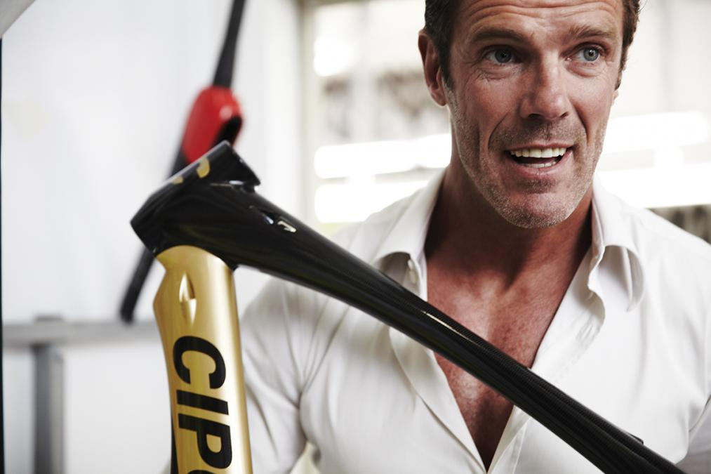 Cipollini e suas bicicletas foto: Mark Bailey