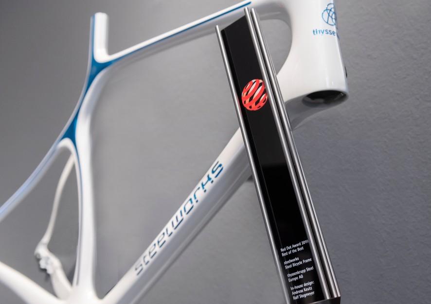 Steelworks - inovação tecnológica garante novas formas ao quadro de aço para bicicletas